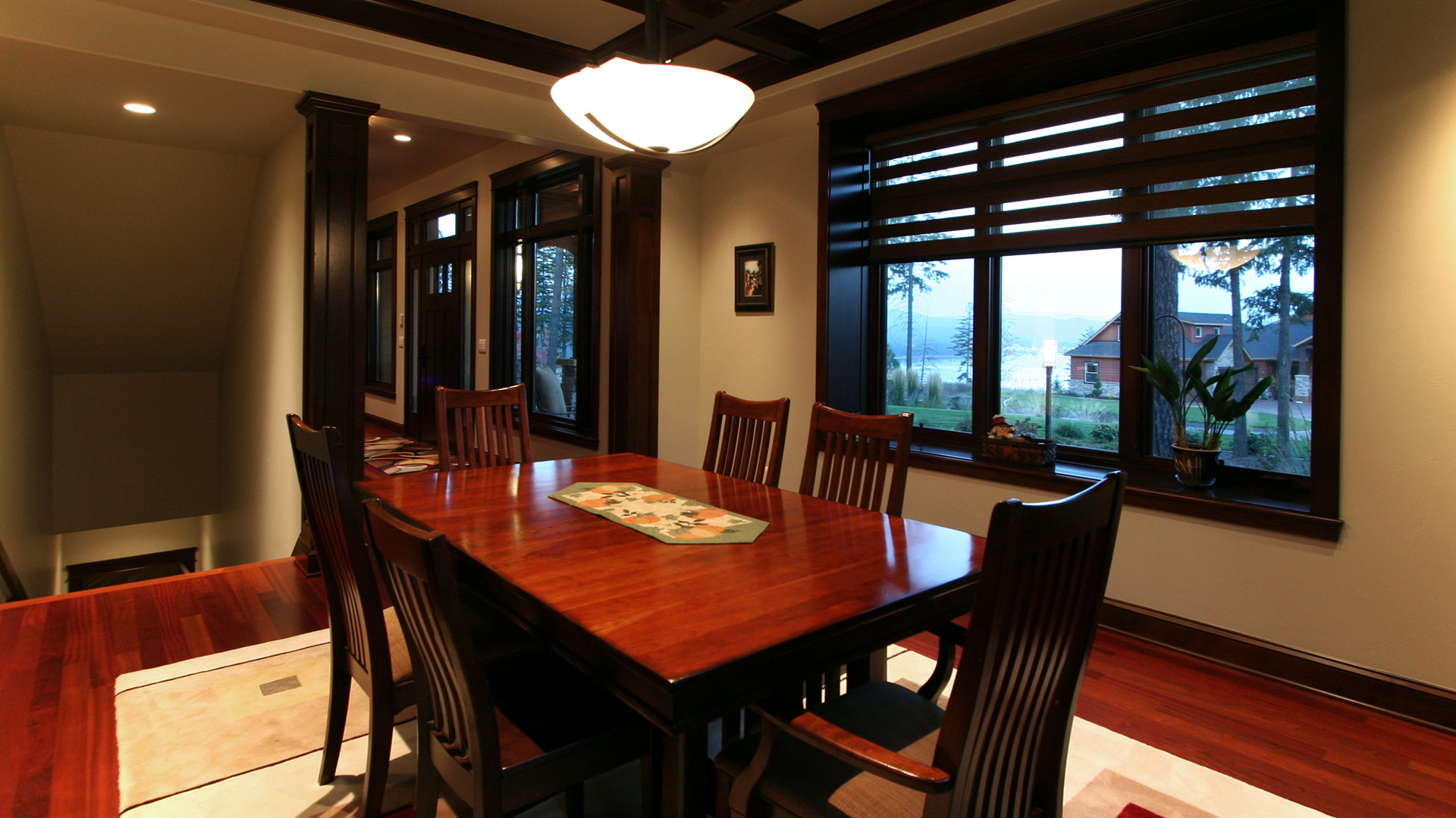 Coeur d'Alene Residence Dining Room