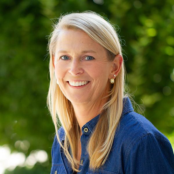 Kirsten Nickerson Head Shot